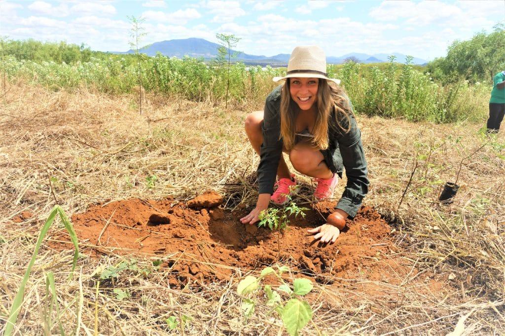 Planterar ett träd -Better Globe @RikaKvinnor.se